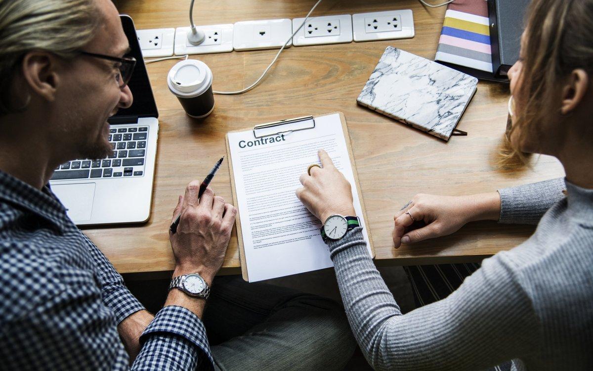 Tipos de Contrato: ¿Cual me conviene? | Aurum Consultores